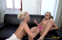 Lesbian fisting makes this blonde supe rhorny