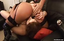 Amateur House Party scène 02 met Simi en Lyla Lei